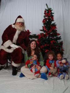 Naturally bearded Santa Howard with children - Have Santas Will Travel